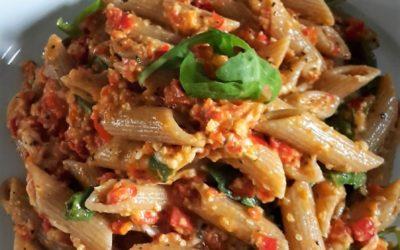 – Recept: Penne met paprika-tomaten pesto