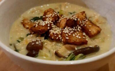 – Recept: Heerlijke curry met noedels, tofu en groente