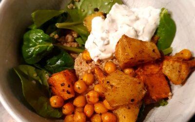 – Recept: Quinoa met kikkererwten, zoete aardappel en spinazie